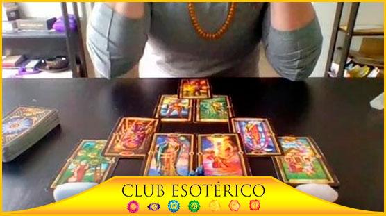 una tarotista buena - club esoterico
